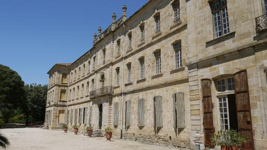 Chateau Abbaye de Cassan: The Chateau