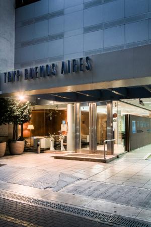 Hotel Tryp Buenos Aires: Fachada