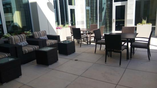 Hilton Garden Inn Palo Alto: External patio