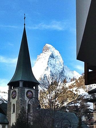 Matterhorn Lodge Hotel & Apartments: Beautiful view :))