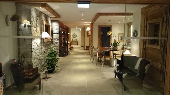 Matterhorn Lodge Hotel & Apartments: Beautiful hotel
