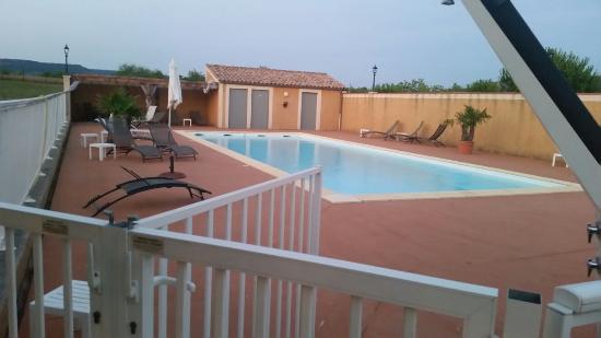 Le Mas De Mon Pere : La piscine