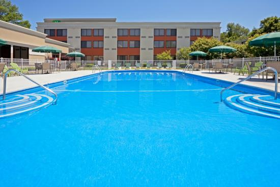 Holiday Inn Orangeburg - Rockland / Bergen: Enjoy our newly renovated outdoor pool