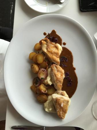 Brasserie Next Level : Brustfilet v. Schwarzfederhuhn