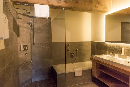 Hotel Princess Bergfrieden Luxury Apartment Residenz Bath Room