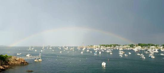 Notorious Annie's Waterfront Inn: Rainbow over Marblehead Harbor