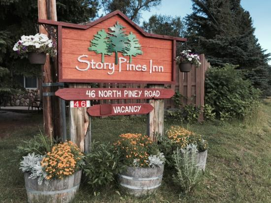 New sign at the Story Pines Inn!