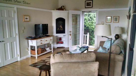 West Barnstable, MA: Living Area