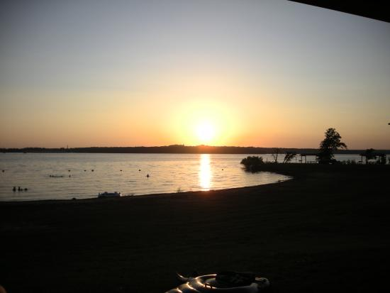 Lake Thunderbird State Park: Sunset over LittleAxe campground