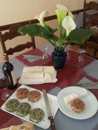 Chaunay, Francia: Fromages de chèvre façon artisanale