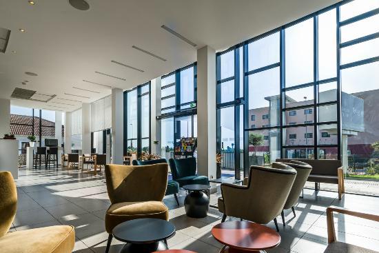 golden tulip marseille airport updated 2017 hotel reviews price comparison vitrolles. Black Bedroom Furniture Sets. Home Design Ideas