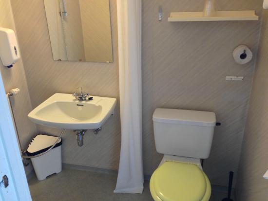 Vadso Fjordhotell AS: Bathroom