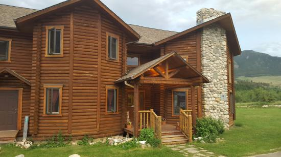 Inn on the Beartooth : Lovely home with a great view!