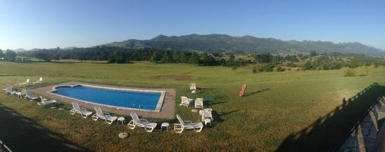 Hotel & Spa Don Silvio: Pool with a view!