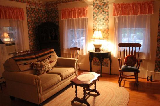Open Hearth Inn : Our Room