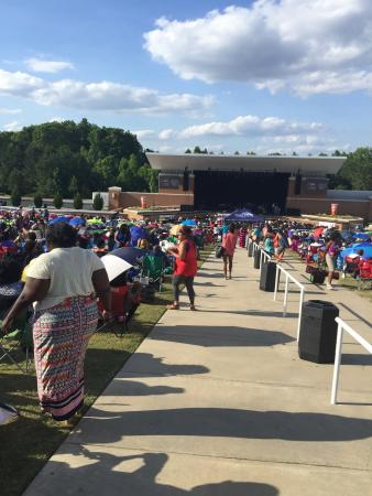 Wolf Creek Amphitheater: Walking into the amphitheater