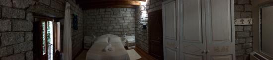Loceri, إيطاليا: Panorama des geräumigen Zimmers