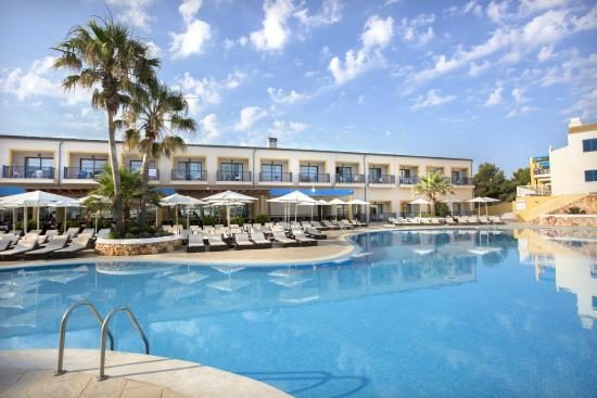Photo of Paradise Club & Spa ApartHotel Cala'n Bosch