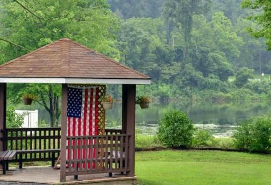 Hershey RV & Camping Resort: Flag