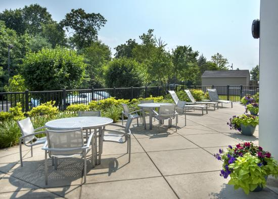 SpringHill Suites Philadelphia Plymouth Meeting: Patio