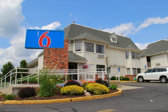Motel 6 Hartford-Enfield