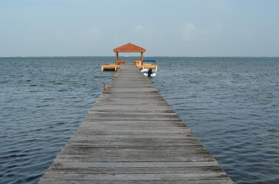 Belizean Cove Estates: Loved spending our days at the end of the pier