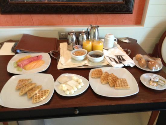 Iberostar Grand Hotel Bavaro: Desayuno a la habitación