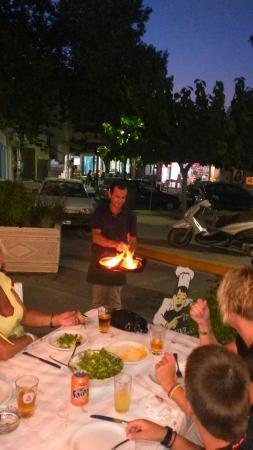 Taverna Drosos: Saganaki