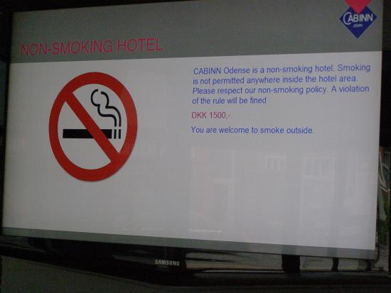 Cabinn Odense: Dyrt at tænde en cigaret ved en fejl.