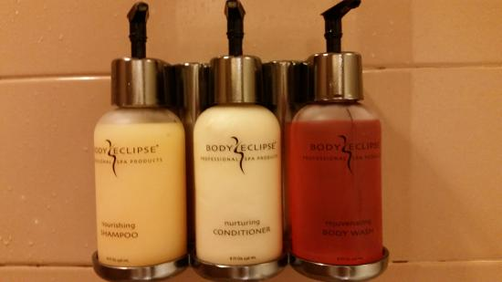 Gold Dust West Carson City: full size bottles of shampoo, body wash and conditioner for your use