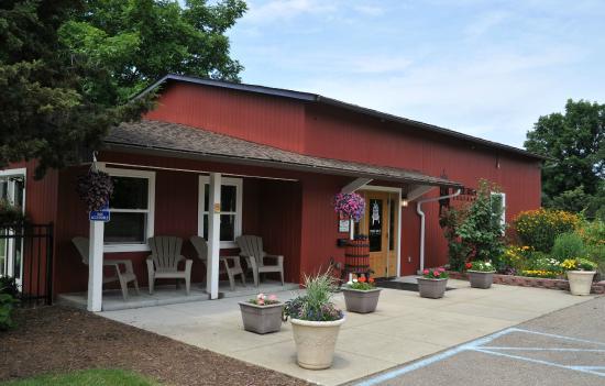 Free Run Cellars - Berrien Springs Vineyard & Tasting Room