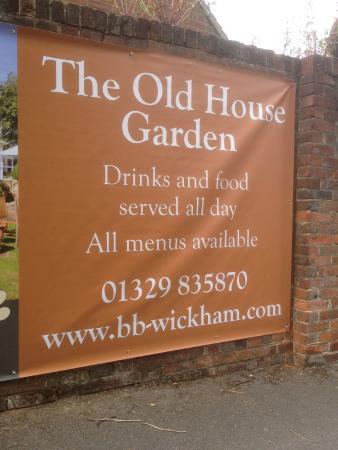 B+B Wickham: The Old House has a lovely little garden