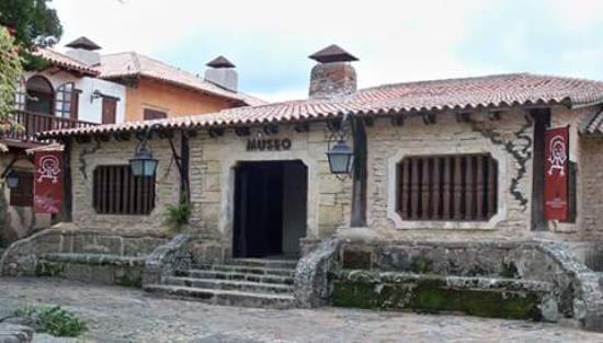 Museo Arqueológico Regional Altos de Chavón: getlstd_property_photo