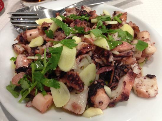Marisqueira Santiago: Octopus Salat