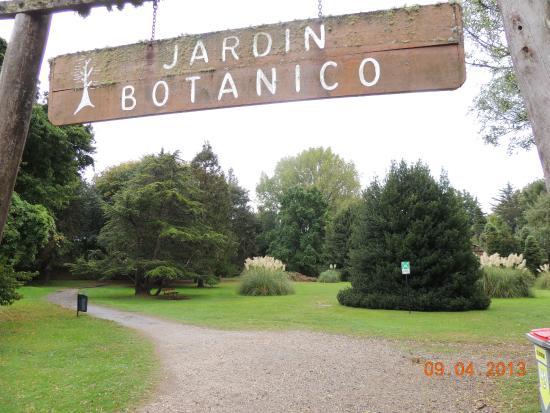 Un peque o rinc n a la orilla del rio picture of jardin for Caracteristicas de un jardin botanico