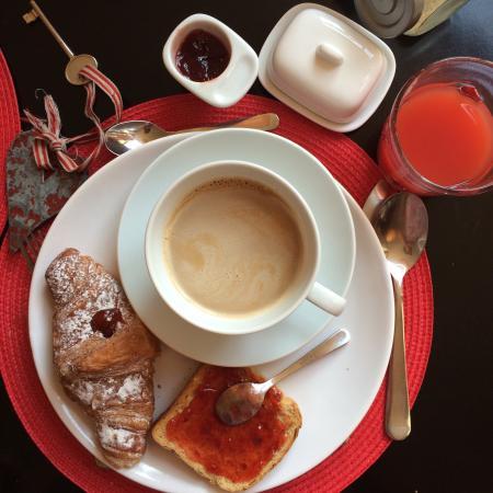 Cocoon: Buonissima la colazione! Comoda la posizione, ben collegato e silenzioso!