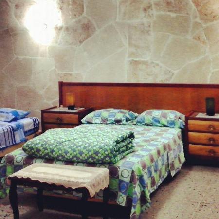 Greenhouse On Prado Master Bedroom Two Beds 1 Queen Twin
