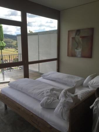 Waldhotel Sommerberg: Suite spa avec énorme baignoire et hamam privatif dans la suite.