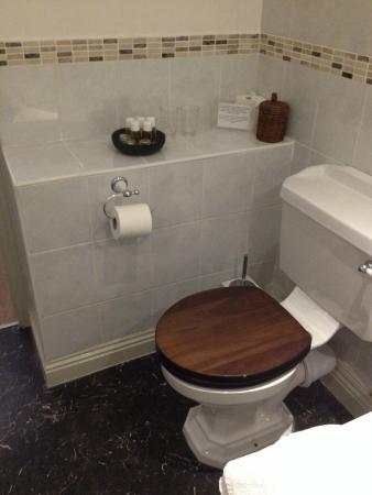 Edgcott House : Toiletries