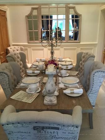 Hazel Manor: Amazing breakfast table