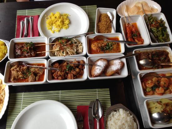 Srikandi: Menu rijsttafel