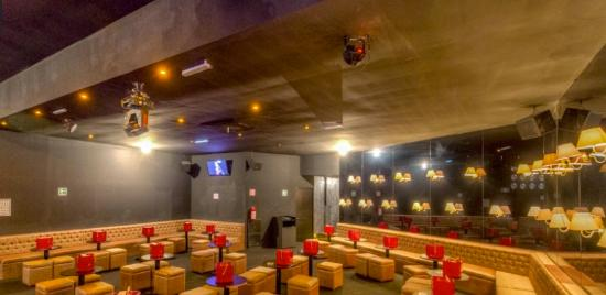 La Chismosa  Bar