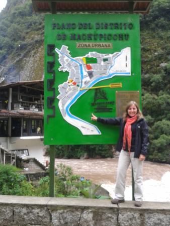 Peru Travel Company: mapa de Aguas Calientes...llegada
