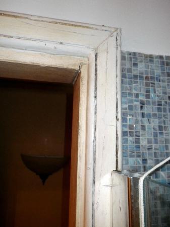 Hellenia Yachting Hotel: Bathroom 415 door facings & Bathroom 415 door facings - Picture of Hellenia Yachting Hotel ... Pezcame.Com