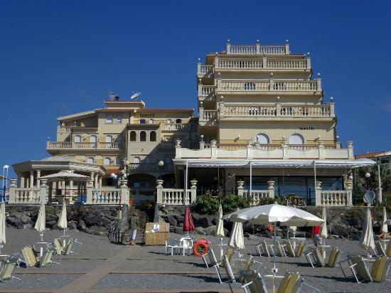 View of hotel from beach picture of hellenia yachting hotel giardini naxos tripadvisor - Hotel ai giardini naxos ...