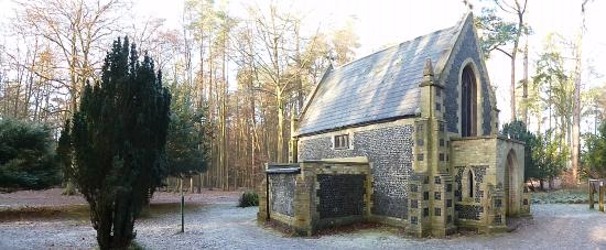 Brandon, UK: Mausoleum in winter