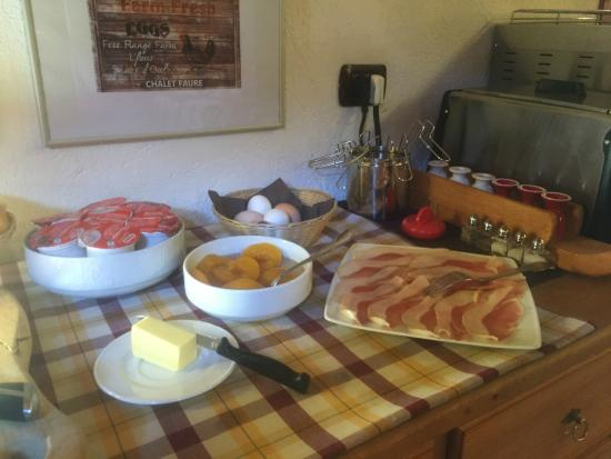 Chalet Faure & SPA: Great, local breakfast