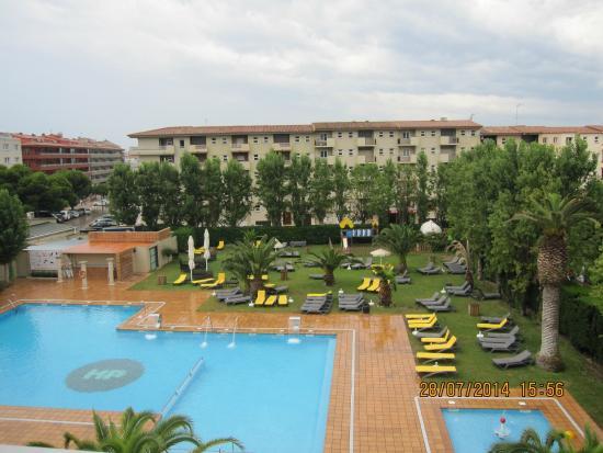 La piscine picture of hotel panorama l 39 estartit for La piscine review