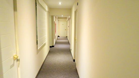 Hotel Vila Santa: Pasillos