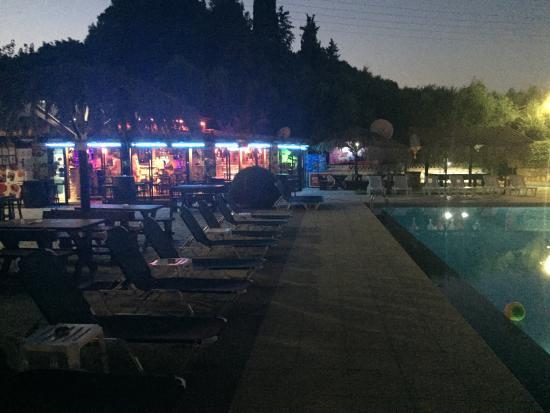 Mon Repos Apartments: Outstanding place! Massive respect for Saki, Nikos, Anna, Dan & our reps Vicky & Mason by far th